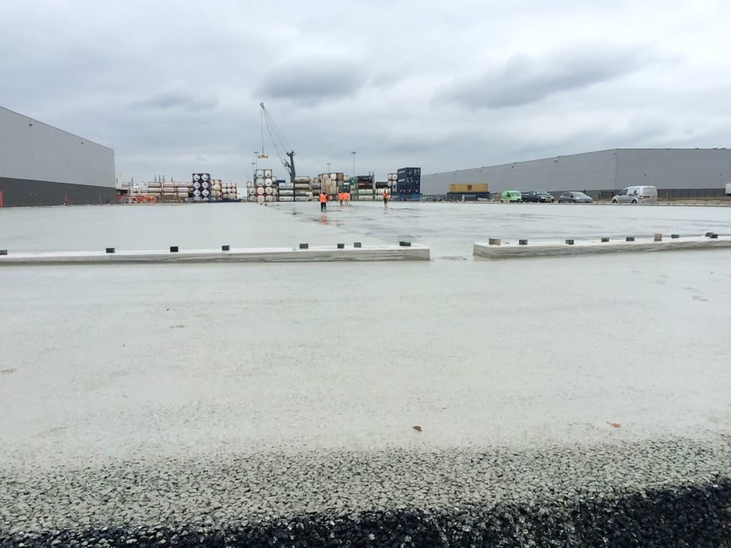 10.000 m2 Combinatie-deklaag Rotterdam