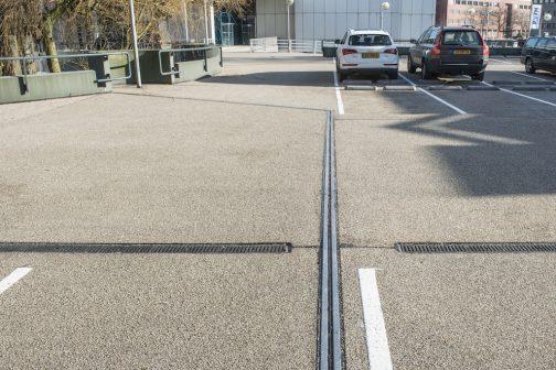 Gietasfalt op parkeerdek Pythagoraslaan, Utrecht
